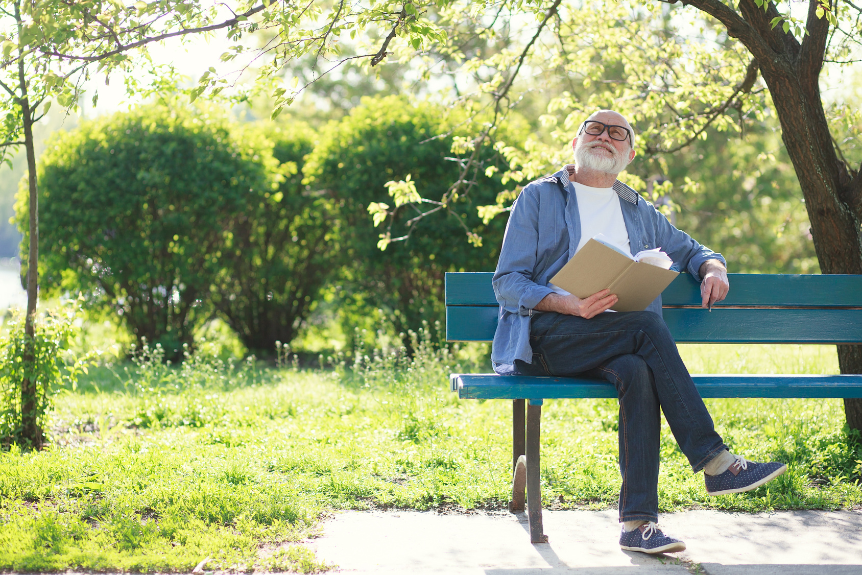 older man have good time in the park after talking with a dayton divorce lawyer
